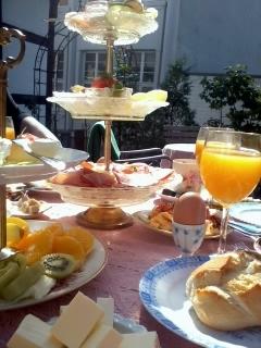 Frühstück Terrasse 2