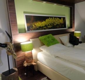 Bett grünes Zimmer1
