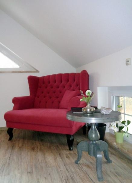 Sofa im Flur