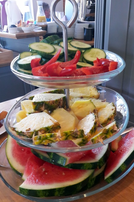 Obst und Gemüseetagere