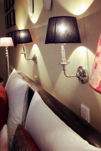 Wandlampen am Bett