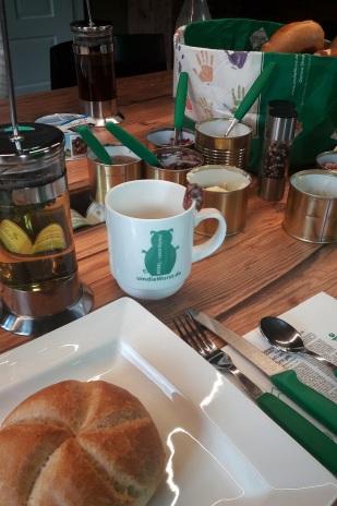 Frühstück am XL Tisch