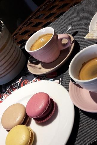 Espresso und Macarons