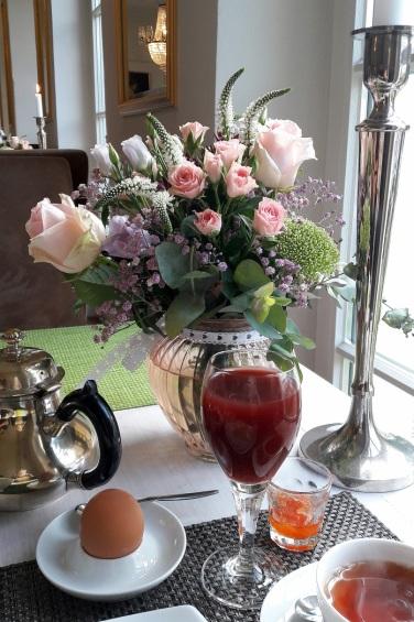 Blumendeko Tische