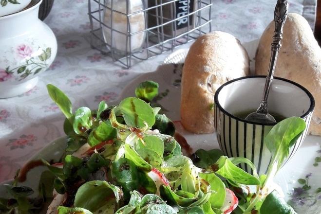 Feldsalat mit Dipp