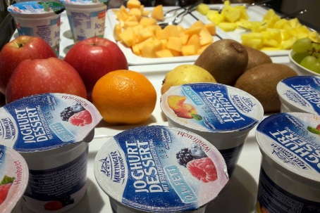 Joghurt & Obst Buffet