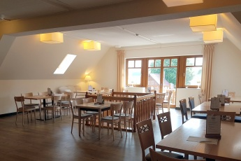 1. Etage Cafetische